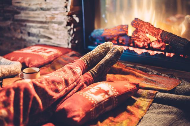 画像: テントの中は暖かいのになんで床の近くは冷えるの??