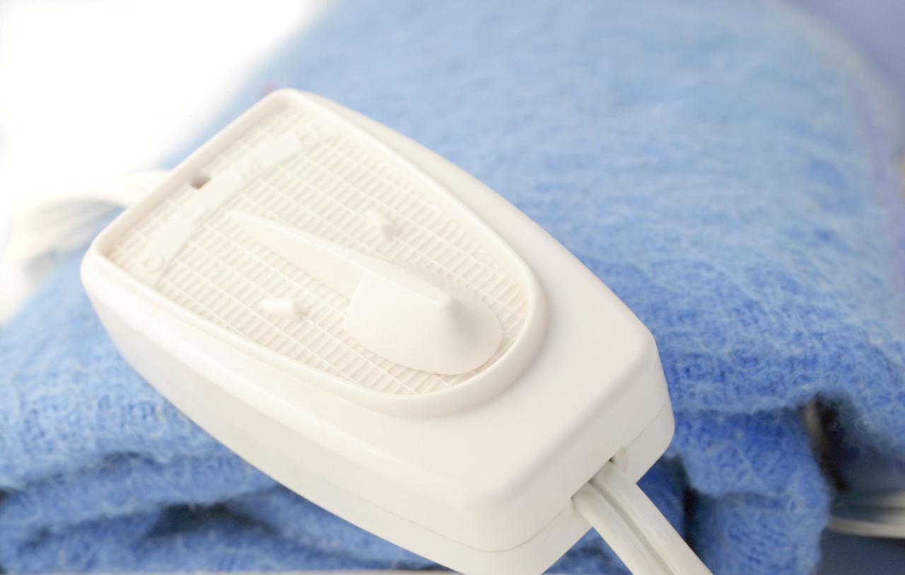 画像: 電気毛布は「掛ける」「敷く」の別々タイプや「掛け敷き」兼用タイプがあります!