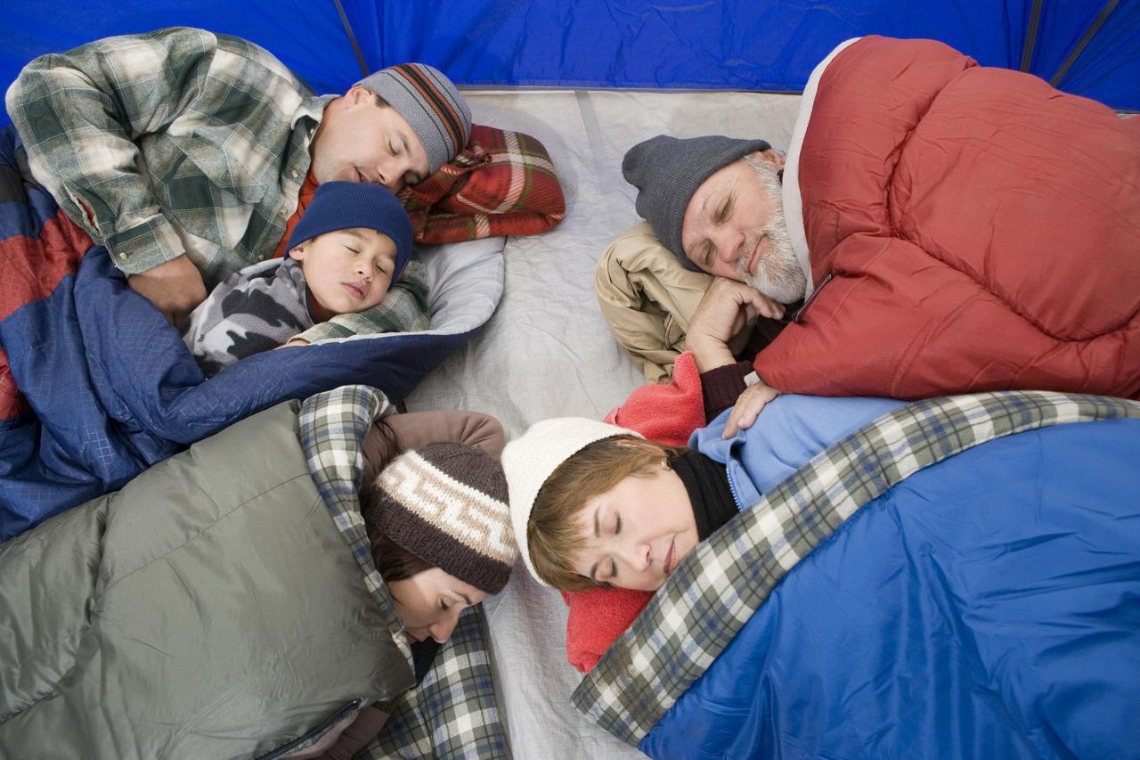画像: キャンプで電気毛布を使うなら電源が必要! ポータブル電源を持ち込んで悩み一発解消!