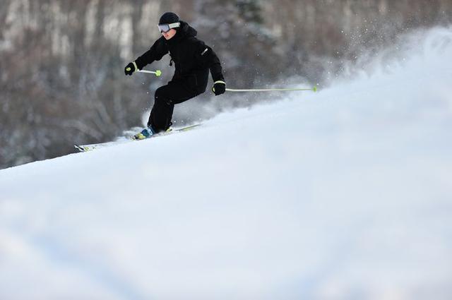 画像: 〈カムイスキーリンクス〉地元のローカルスキー場なのに、この広さ!!