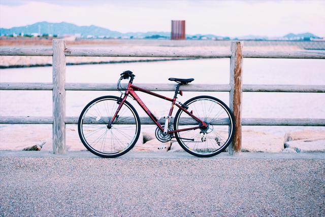 画像: クロスバイクは初心者におすすめ! ロードバイクとマウンテンバイクの良いとこ取りで通学も坂道でも◯
