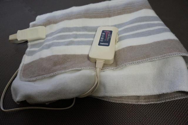 画像: 【レビュー】安くて手洗いOK!秋冬キャンプにもおすすめの電気毛布と使い方をご紹介 - ハピキャン(HAPPY CAMPER)