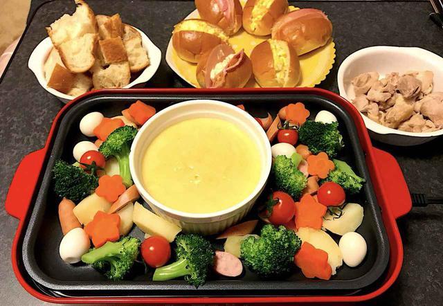 画像: 鍋やホットプレートでチーズフォンデュをするには?方法&レシピをご紹介 - ハピキャン(HAPPY CAMPER)