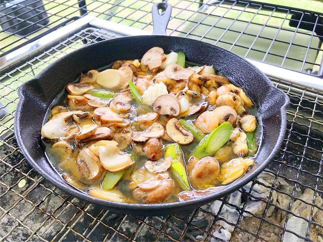 画像: おすすめスキレットや選び方・写真映えする料理レシピを公開 シーズニング方法も解説 - ハピキャン(HAPPY CAMPER)