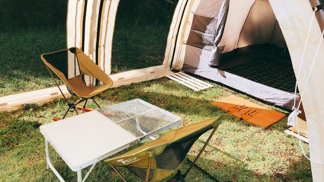 画像: 軽量で折り畳み式のアウトドアテーブルがおすすめ! 収納場所の確保や車載がしやすく使いやすい