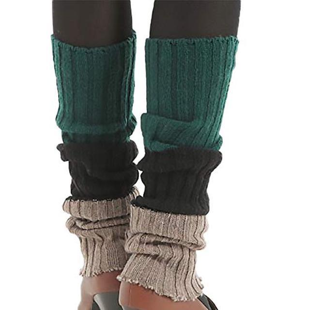 画像1: 【焚き火中の防寒対策】足や背中の冷え防止にはブランケット・ポンチョなどがおすすめ