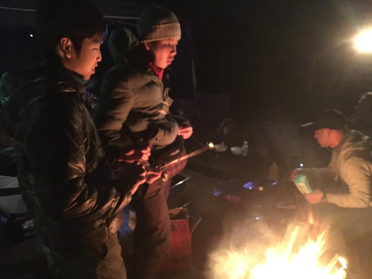 画像: 【みーこパパ直伝】万全な準備で、寒くない!冬キャンプを楽しむ服装例 - ハピキャン(HAPPY CAMPER)