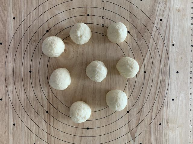 画像2: 【基本のレシピ】スキレットで焼き上げる ホットケーキミックスで作るプレーンミニちぎりパンの作り方