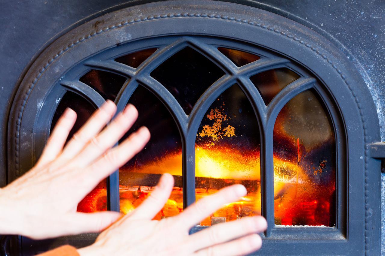 画像: (安全度:★★/危険性は一酸化炭素中毒・火事など注意が必要)