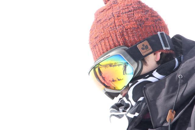 画像: スノボウェア以外のインナーやネックウォーマー等の小物類も!動きやすさと防寒で快適なスノボを!