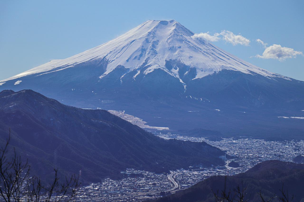 画像: 筆者撮影:高川山山頂からの富士山