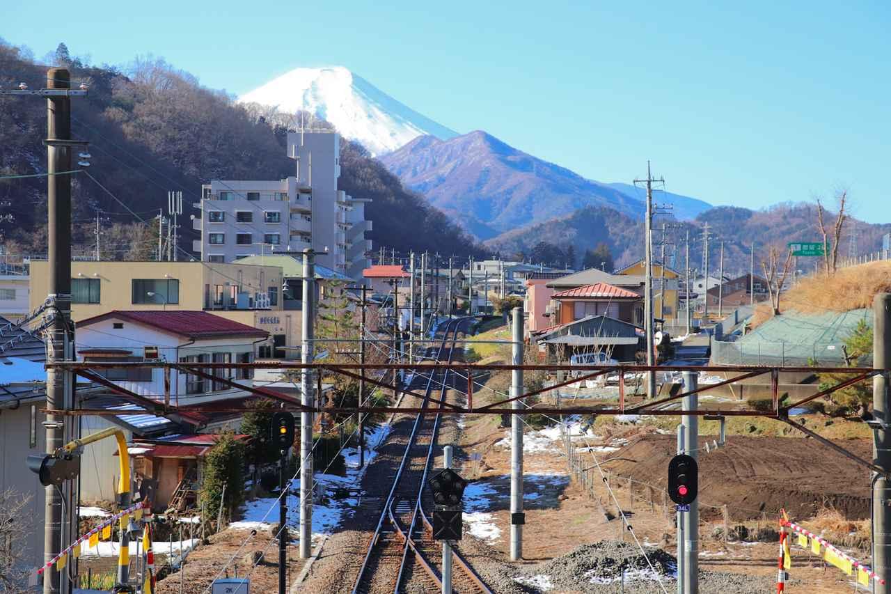 画像: 筆者撮影:禾生駅から富士山を眺める