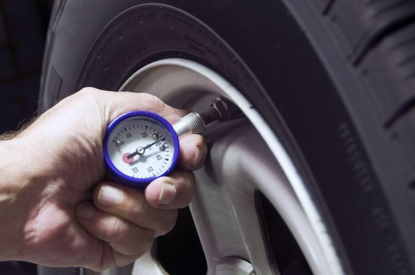画像: 「月に1度は空気圧の点検を」