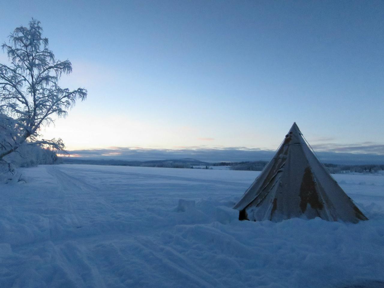 画像: テント・ストーブ・シュラフ(寝袋)の防寒アイテム3つを準備! 雪中キャンプは暖房にこだわろう!