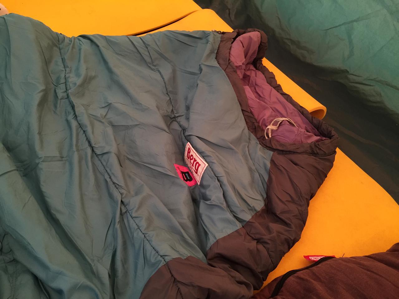 画像: テントやストーブだけじゃなく、シュラフ(寝袋)も重要! 雪中キャンプなら化繊のマミー型を選ぼう