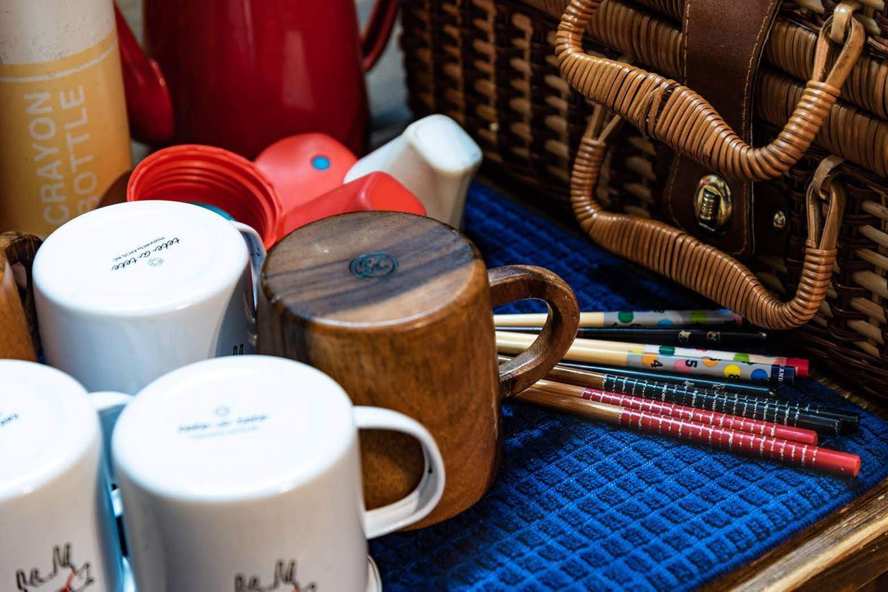 画像: 筆者撮影:お気に入りのアカシアカップは、飲み口にかなり厚みがある。