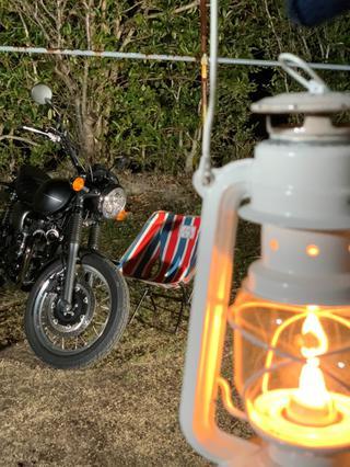 バイクとランタン