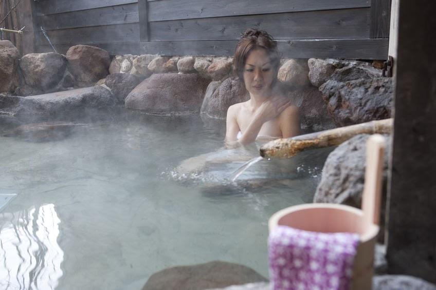 画像: 関東地方の温泉は「黒湯」が魅力! 植物性の「フミン酸」が含まれ、ミネラルたっぷりでお肌ツルツルに