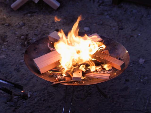 画像: 筆者提供:炎を眺めているだけで癒やされる。