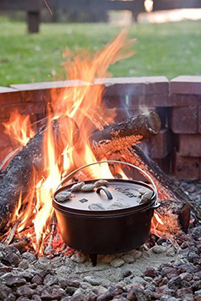 画像1: 【番組ロケ密着】バイきんぐ西村流キャンプ飯を紹介① ダッチオーブンでみそ鍋を作る