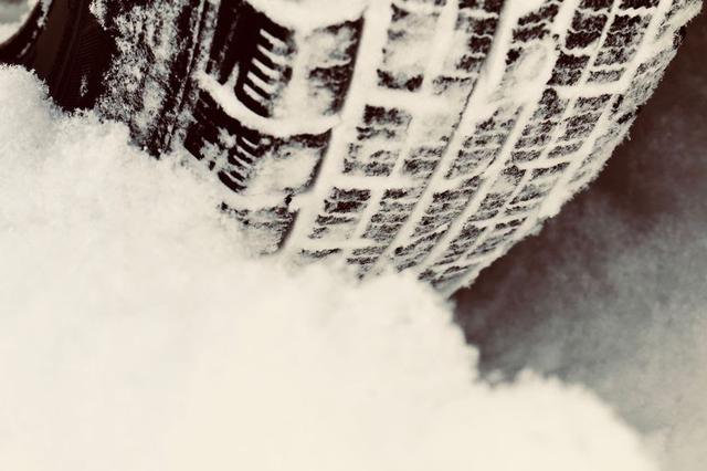画像: 【タイヤメーカー元社員直伝】夏タイヤ・冬タイヤの違いと選び方!おすすめタイヤも - ハピキャン(HAPPY CAMPER)