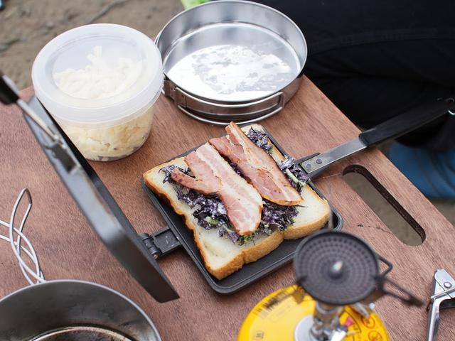 画像: 筆者提供:下ごしらえした食材はクッカーと一緒に収納。