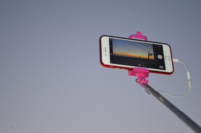 画像: 自分のスマホに適したものを選ぼう!シャッターやサイズ・対応OSによる自撮り棒のタイプと選び方
