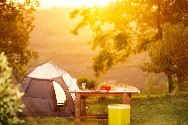 画像: ソロキャンプに欠かせない7つ道具はテント・寝袋・チェア・テーブル・ランタン・焚き火台・調理器具