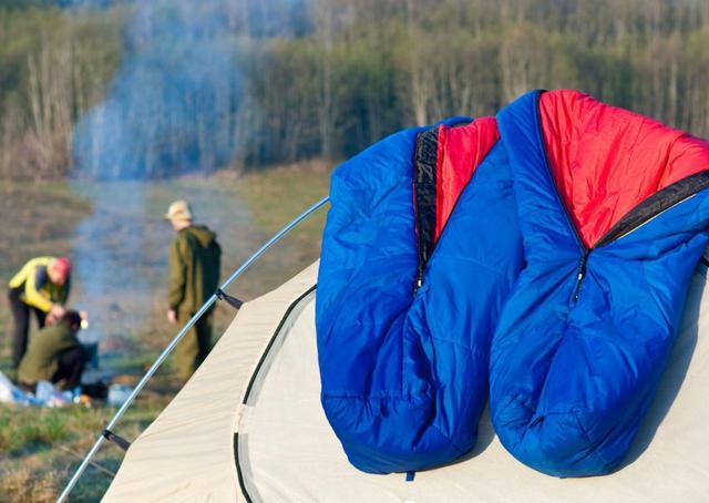 画像: モンベルやコールマンも! 洗濯可能な寝袋おすすめ3選とキャンプ後のお手入れ - ハピキャン(HAPPY CAMPER)
