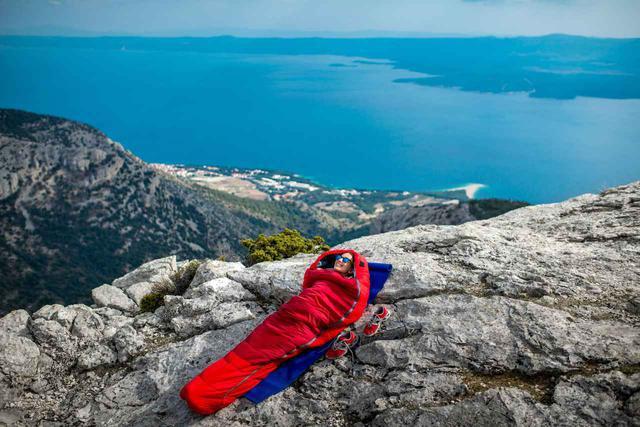 画像: おすすめ寝袋(シュラフ)3選! キャンプ初心者も安心、軽量&快適で持ち運びも簡単 - ハピキャン(HAPPY CAMPER)