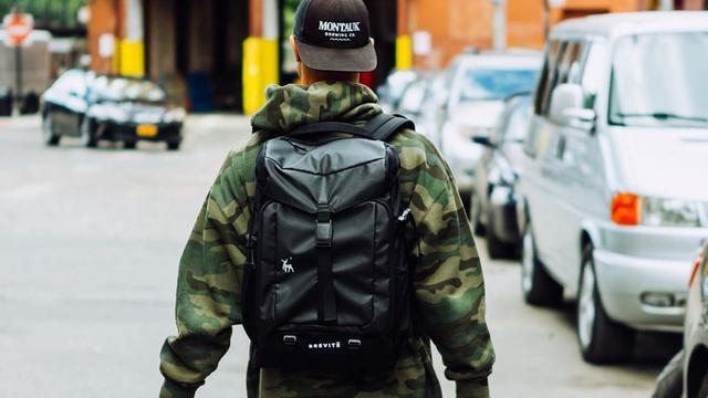 画像: 通勤・通学・旅行にも使えるカメラバッグ|BREVITE