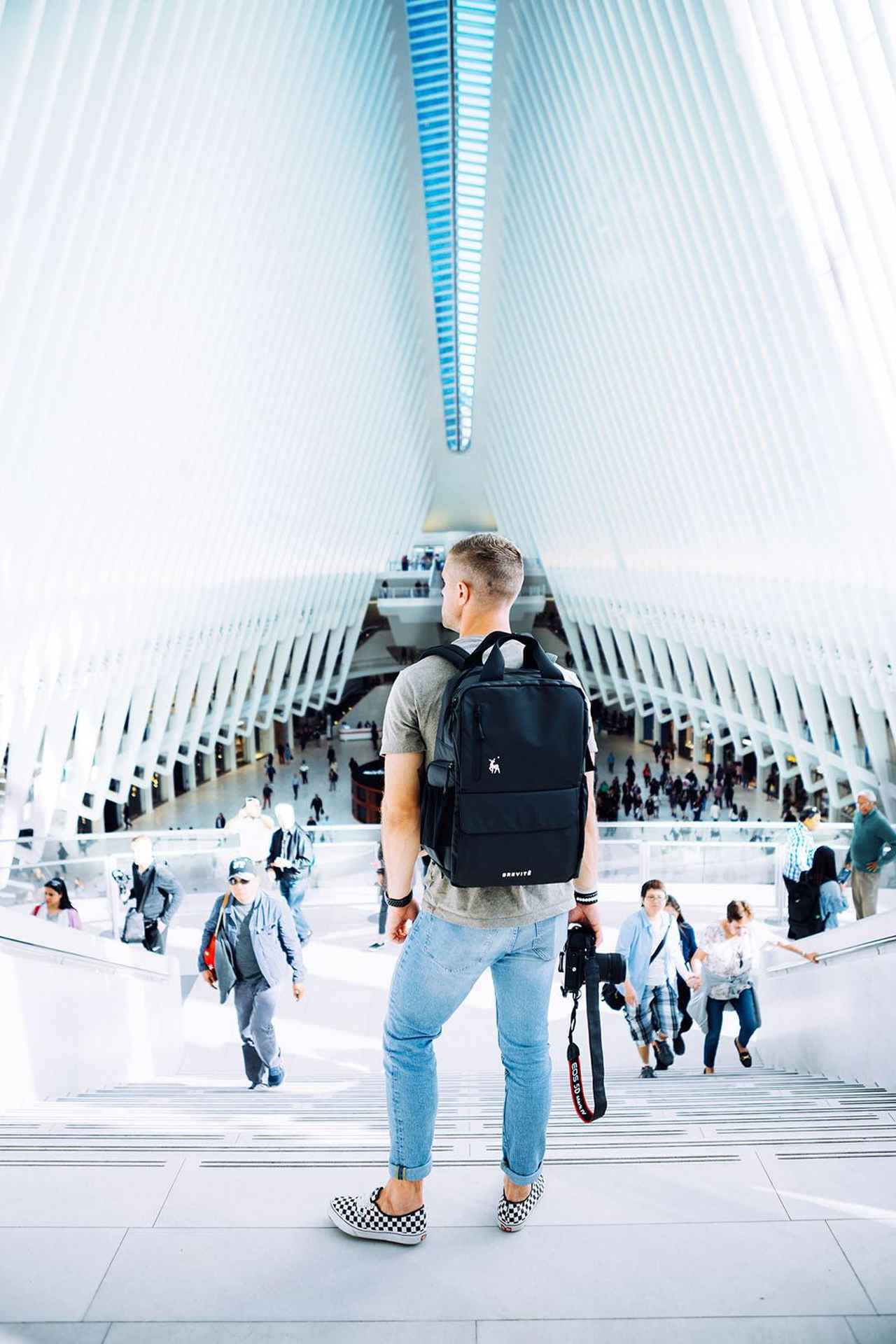 画像: Brevitē: Modern Camera Bags for the Modern Explorer
