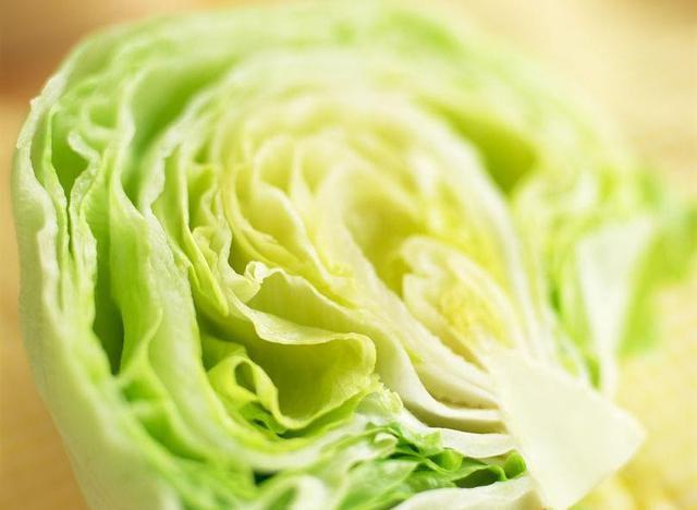 画像: レタスは水分も栄養分も豊富で◎ サラダ・スープ・チャーハンまで幅広いレシピに万能に使える食材!