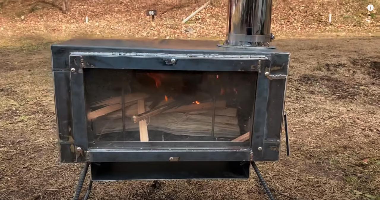 画像2: Youtubeチャンネル タケトDIY 【初溶接】薪ストーブ自作【DIY】Homemade Wood burning stove Iron welding DIY より
