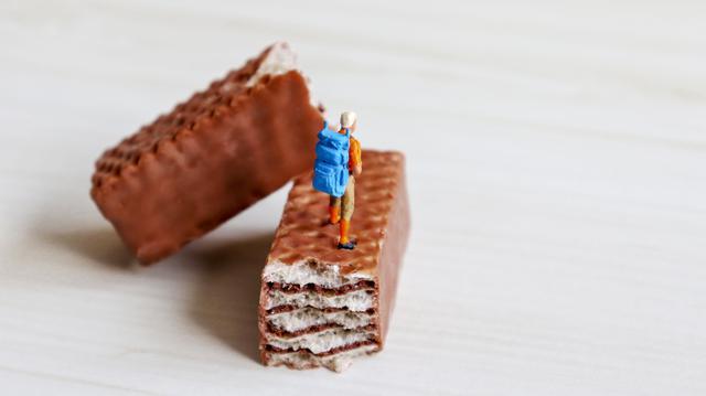 画像: 【行動食とは?】登山中のエネルギー補給の軽食・おやつ 非常食にもなるのでか必ず携帯しよう