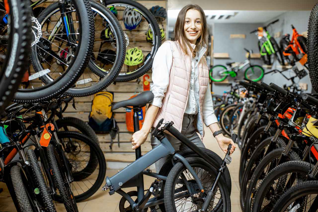 画像2: 【折りたたみ自転車の選び方】重量・収納サイズ・折りたたみの手順・安全性など 電動アシスト付きも!