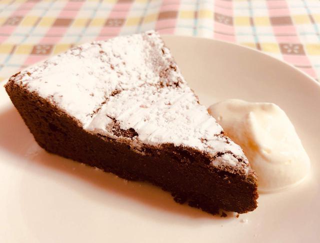 画像: ガトーショコラの簡単レシピ! 炊飯器を使った作り方やデコレーションの方法もご紹介 - ハピキャン(HAPPY CAMPER)