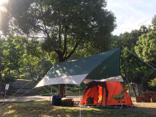 画像: ソロキャンプやツーリングには1人用のタープがおすすめ 軽量&コンパクトで設営もしやすい