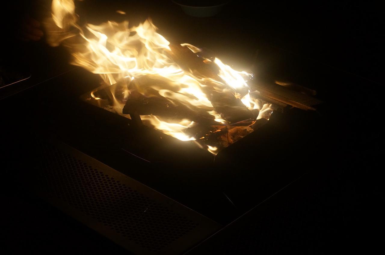 画像: 筆者撮影「薪で焚き火を楽しもう」