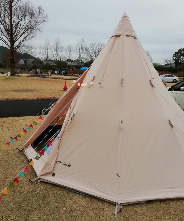 画像: ワンポールテントは設営が簡単だからおすすめ! キャンプ人数やスタイルに合わせてテントを選ぼう!