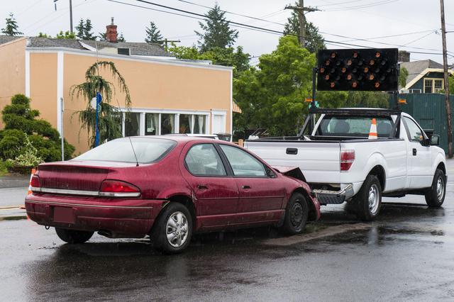 画像: ハイドロプレーニング現象とは? 雨の日に車が浮かんでグリップを失う恐ろしい現象!