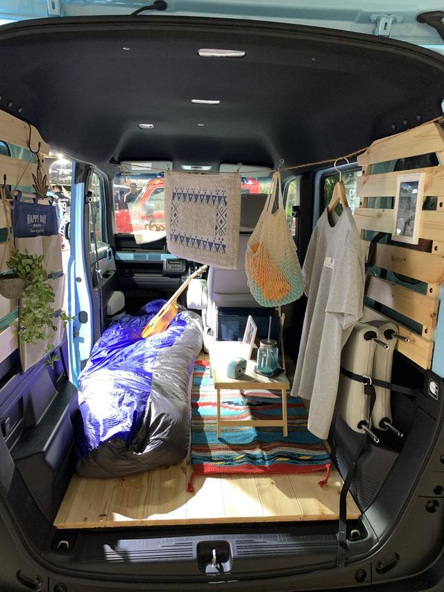 画像1: ジムニーで冬ソロキャンプの車中泊を成功させる秘訣とは? おすすめの道具もご紹介