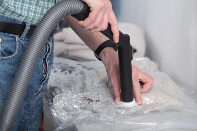 画像: 加水分解防止策④ 真空パック利用は究極ながらメジャーな保管方法