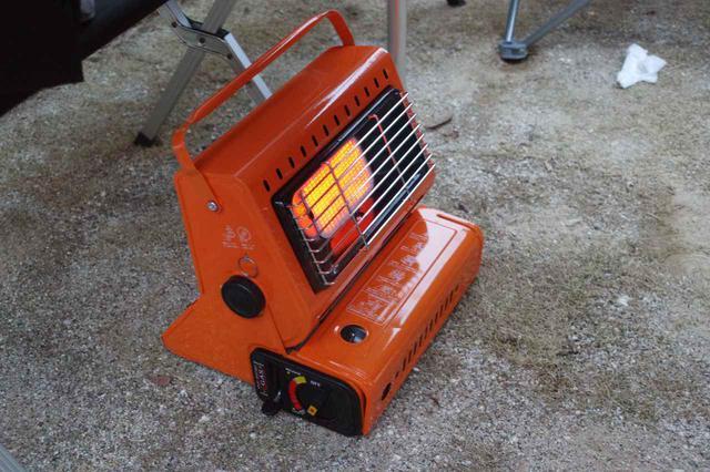 画像: 【カセットガスストーブ】コンパクトでコスパが良い暖房器具 冬キャンプで活躍! - ハピキャン(HAPPY CAMPER)