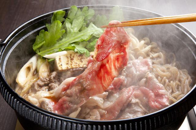 画像: 【秋冬キャンプ】すきやき鍋のおすすめレシピ&材料  割り下の黄金比も伝授 - ハピキャン(HAPPY CAMPER)
