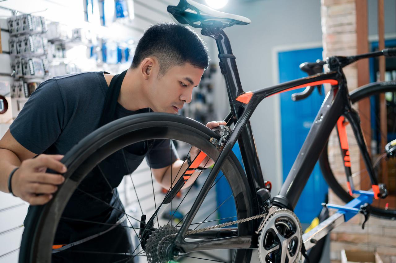 画像: <ロードバイク購入の選択肢は 選択肢は完成車orオーダー車の2パターン> 初心者は前者の完成版がおすすめ!