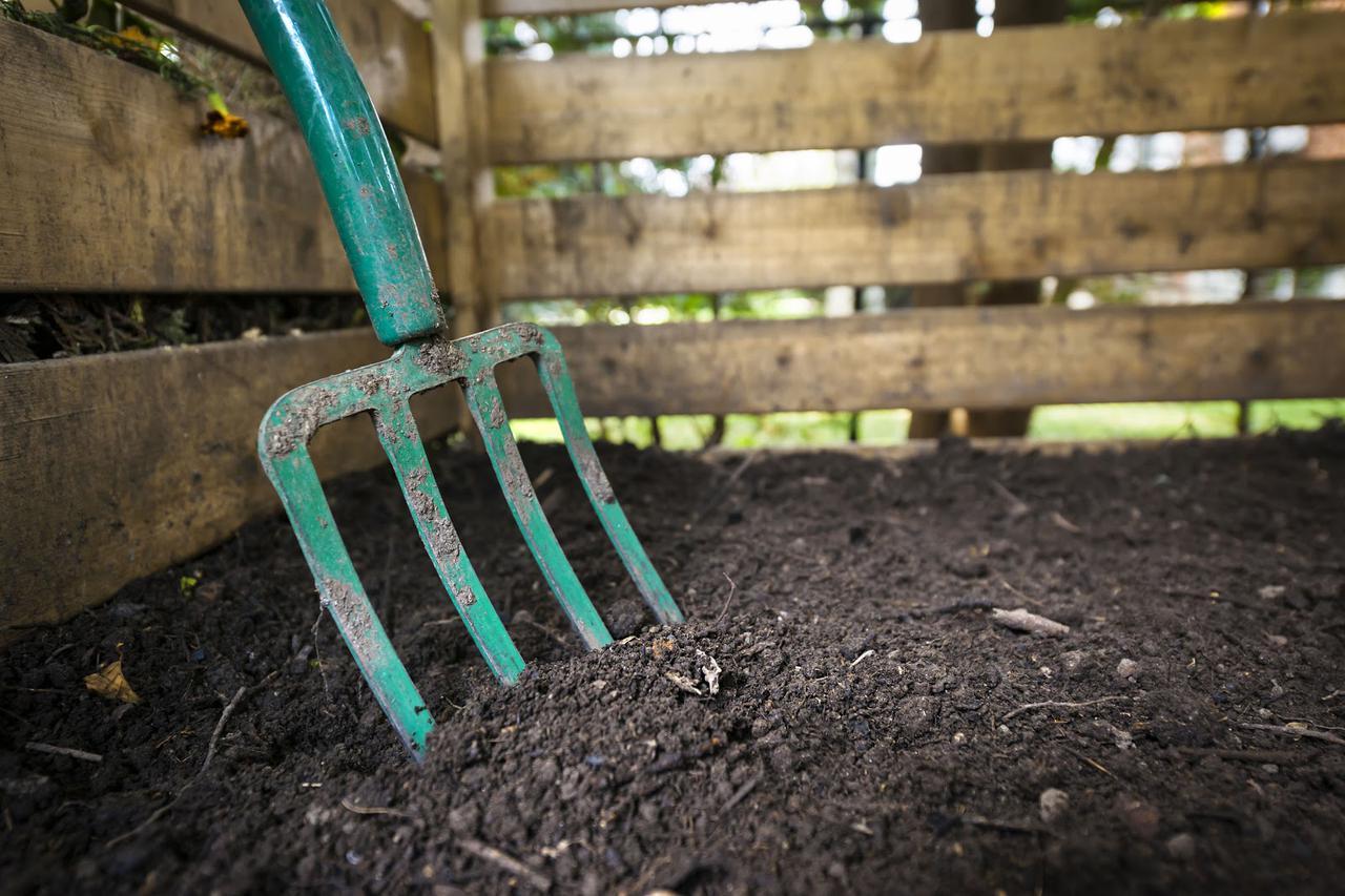 画像: 【野菜くずの活用法4】コンポストで堆肥をつくる LFCコンポストなら都市型で都会でもエコライフ