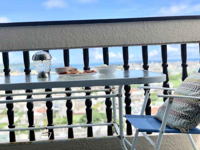 画像3: 狭いベランダにも置けるコンパクトなアウトドアチェアでベランピング! 陽の光を浴びて気分転換しよう