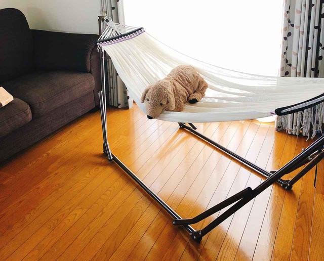 画像: 室内でもキャンプでも使える! 自立式ハンモックなら場所を選ばずに設置できる