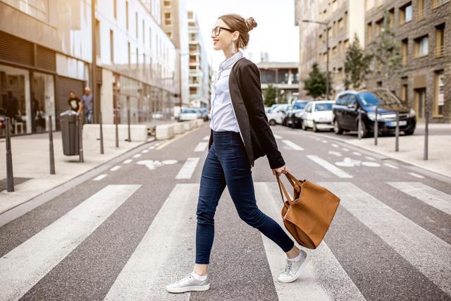 画像: 通勤通学などの普段使いには「SPF30」程度の肌に優しいものを!